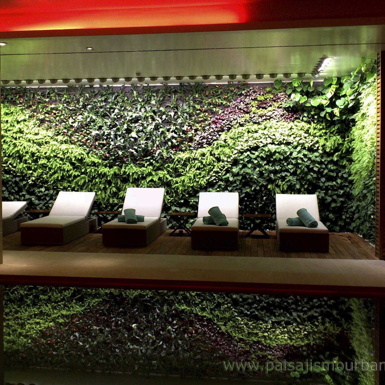 interior green facade jardin vertical hotel castell son claret