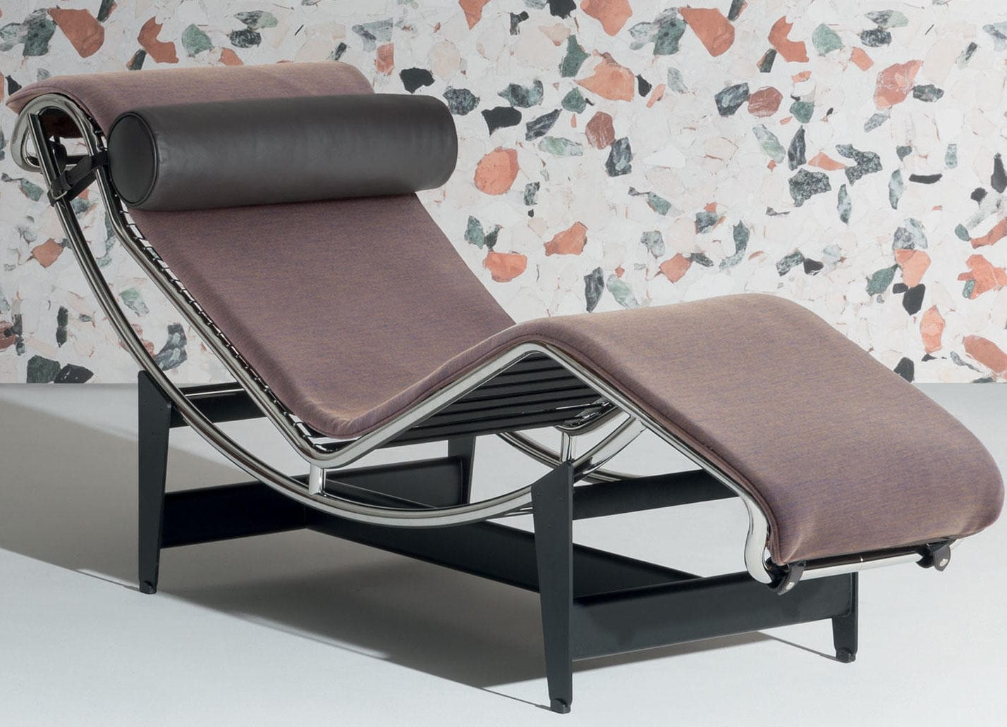 Contemporary Chaise Longue Fabric Leather By Le Corbusier