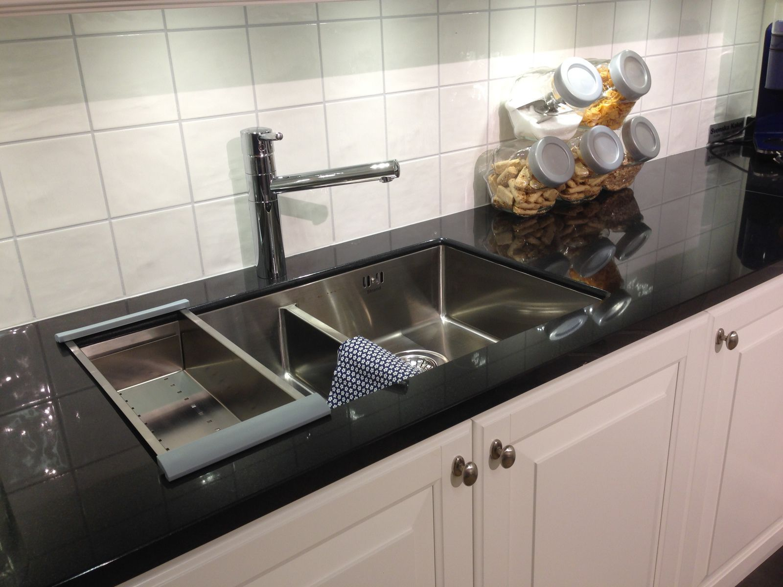 Resin countertop / stone / granite / kitchen - NERO ASSOLUTO ...