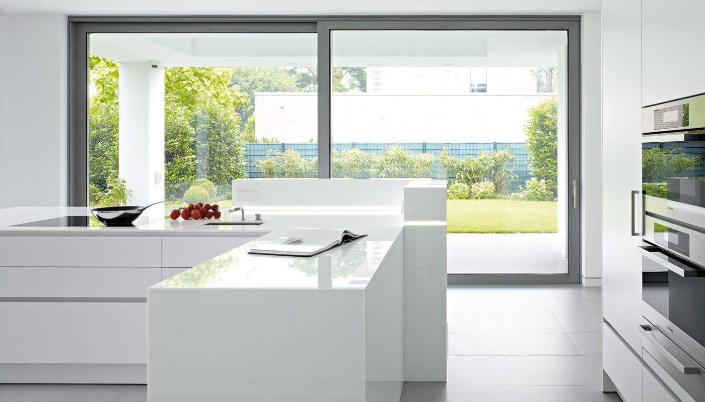 Contemporary Kitchen Glass Laminate Island House Duesseldorf