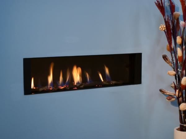 Gas fireplace / contemporary / closed hearth / built-in - FR920HE - Gas Fireplace / Contemporary / Closed Hearth / Built-in - FR920HE