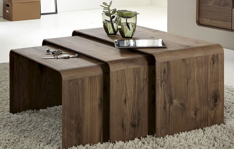 Merveilleux Contemporary Nesting Tables / Wooden / Rectangular / Brown   BO