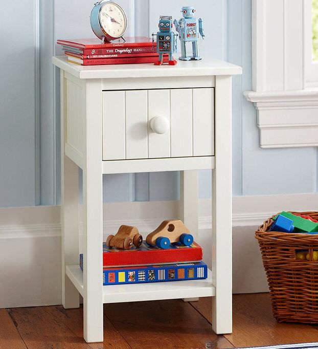 Lovely Contemporary Bedside Table / Hardwood / Square / Childu0027s Unisex   WINDSOR