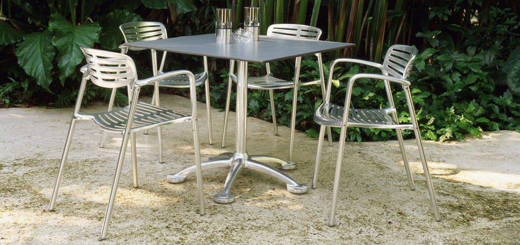 Contemporary Chair / Cast Aluminum / Stackable / With Armrests   TOLEDO By  Jorge Pensi