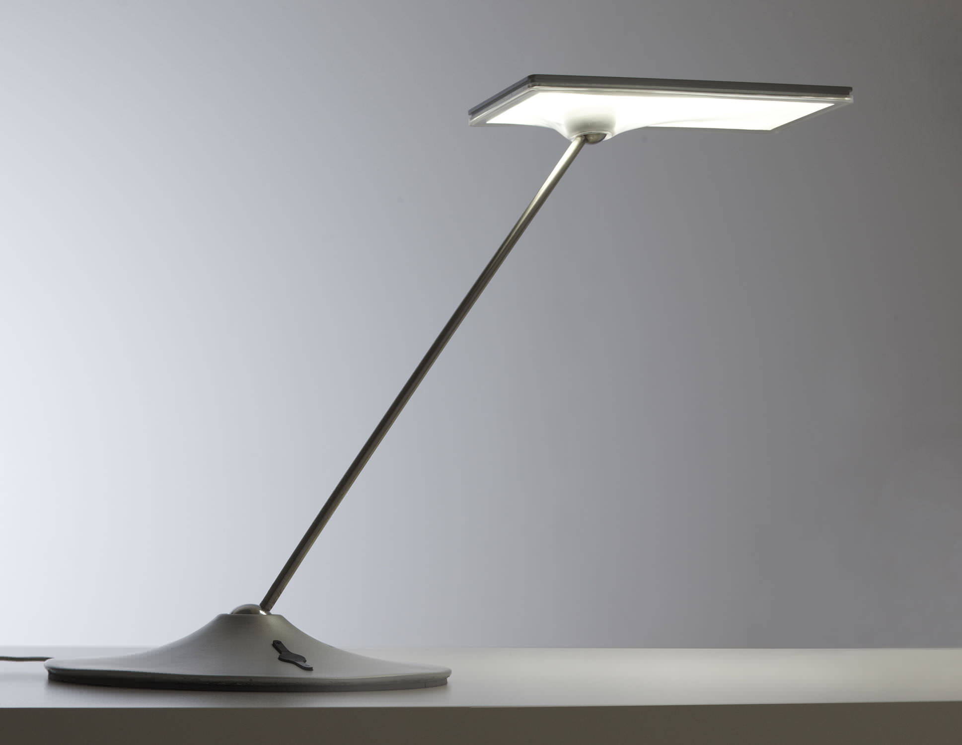 Desk Lamp Contemporary Metal Dimmable