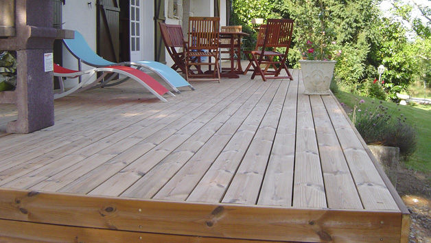 Wooden deck boards / clip-on - TERRASSES SUR SOL STABLE - Groupe grad