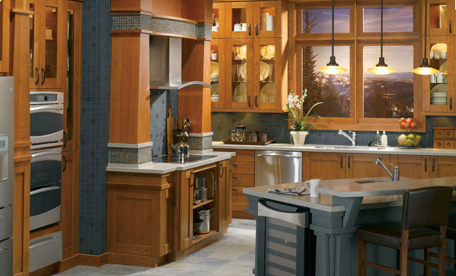 Classic wood veneer / marble kitchen - BENTWOOD CUSTOM - bentwood