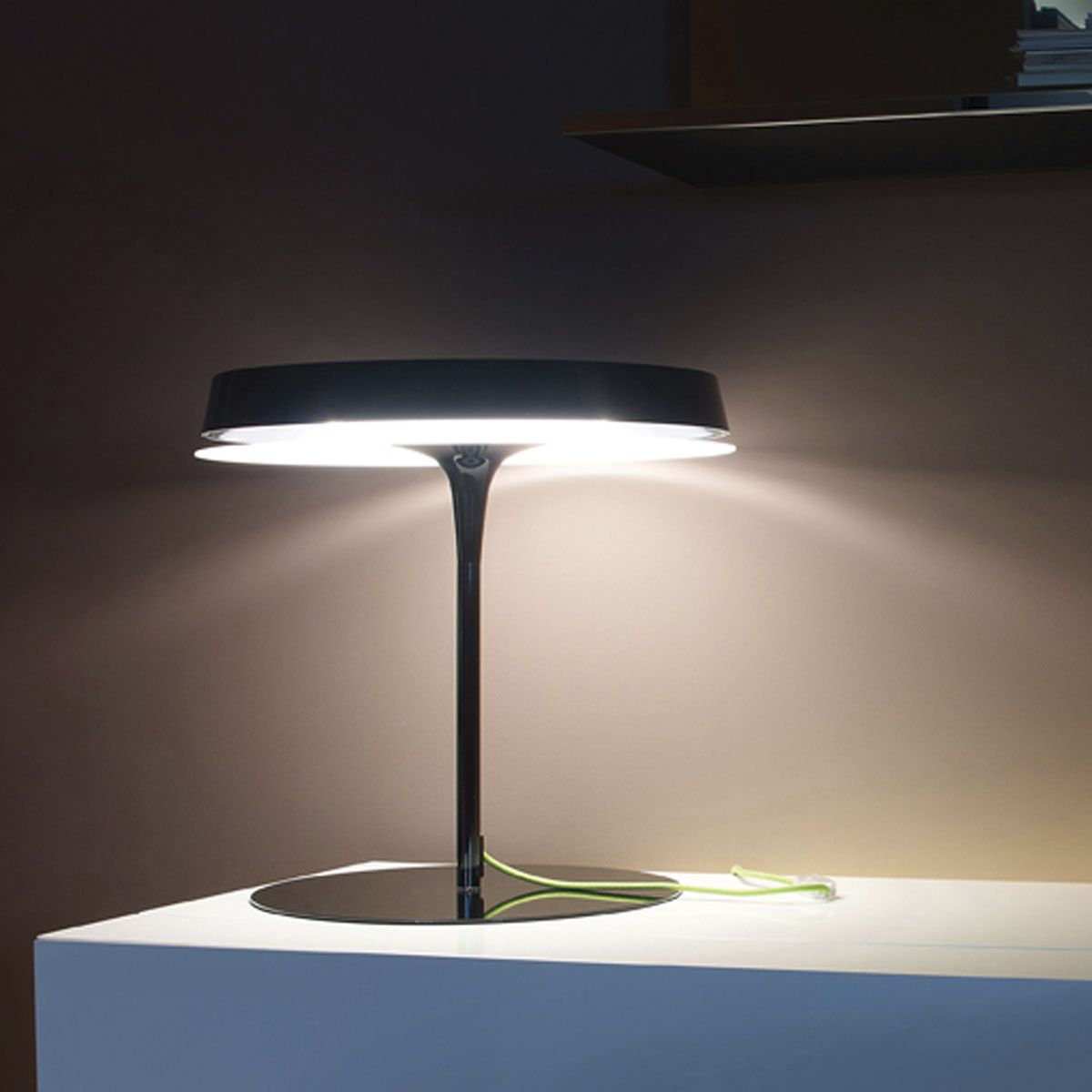 Contemporary table lamp (aluminium) - OLSEN by Jorge Pensi - BLUX