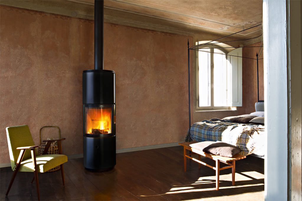 Contemporary wood-burning stove (ceramic) - STUB OVERNIGHT - MCZ
