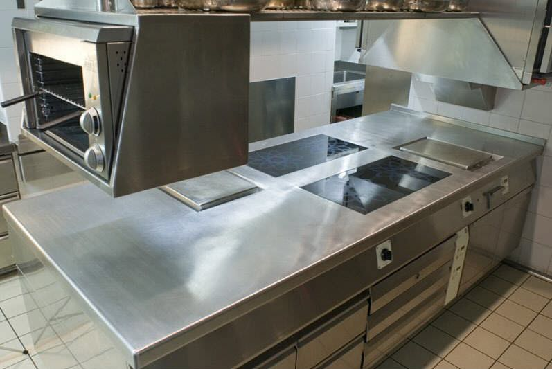 Modular commercial kitchen for medium catering needs - FUTURA