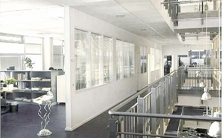 Removable partition / glass / dwarf wall / glazed - FLEXICA LINE ...