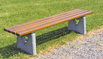 Public bench / contemporary / wooden / concrete
