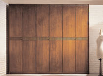 Traditional wardrobe / wooden / with hinged door