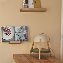 Wall-mounted shelf / contemporary / oak / solid wood