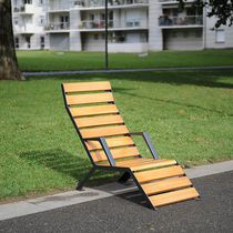Contemporary sun lounger / wooden / recycled plastic / for public spaces