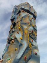 Mobile climbing tower / outdoor