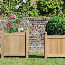Wooden planter / square / traditional