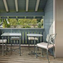 Traditional bistro table / lacquered aluminum / round / square