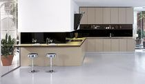 Contemporary kitchen / wooden / lacquered