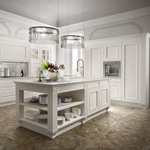 Traditional kitchen / wooden / island