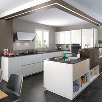 Contemporary kitchen / oak / laminate / melamine