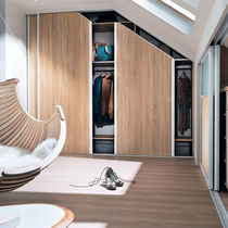 Wall-mounted walk-in wardrobe / contemporary / oak / with sliding door