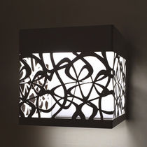 Original design wall light / metal / LED / square