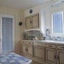 Venetian blinds / aluminum / chain-operated / custom