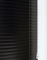 Venetian blinds / aluminum / blackout / chain-operated