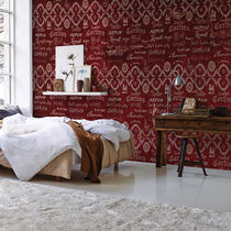 Traditional wallpaper / nonwoven fabric / fiberglass / vinyl
