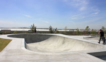 Concrete skatepark bowl