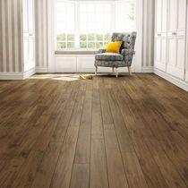 Solid wood flooring / glued / maple