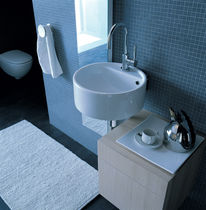 Wall-mounted washbasin / round / ceramic / contemporary