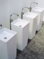 Free-standing washbasin / square / ceramic / contemporary