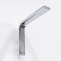 Wall-mounted shower head / rectangular