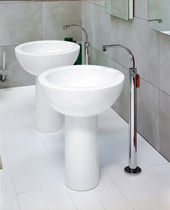 Washbasin mixer tap / floor-mounted / chromed metal / brass