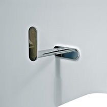 Wall-mounted toilet paper dispenser / brass / chrome
