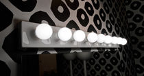 Contemporary wall light / for bathrooms / round / ceramic