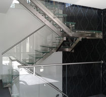 Half-turn staircase / stainless steel steps / stainless steel frame / without risers