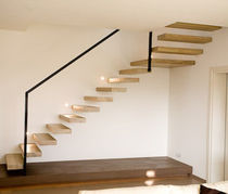 Quarter-turn staircase / oak steps / without risers / contemporary