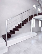 Straight staircase / stainless steel steps / stainless steel frame / with risers