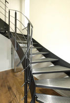Half-turn staircase / stainless steel steps / steel frame / without risers