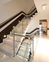Stainless steel railing / with bars / indoor / for stairs