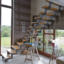 Quarter-turn staircase / oak steps / metal frame / without risers