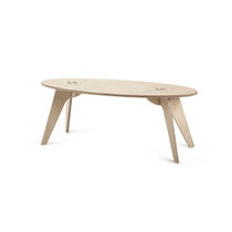 Traditional coffee table / wooden / oval