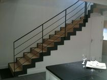 Quarter-turn staircase / wooden steps / steel frame / with risers