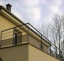 Wire mesh balcony / with bars / steel