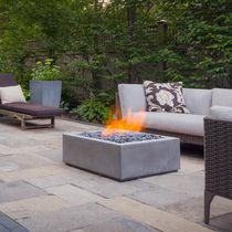 Gas fire pit / concrete / corten steel / contemporary