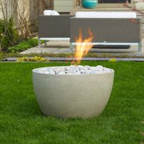 Gas fire pit / concrete / contemporary