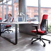 Contemporary office armchair / plastic / aluminum / swivel
